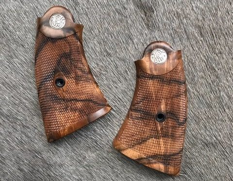 (1) Early S&W Hand Ejector stocks of French walnut - 24LPI diamond pattern